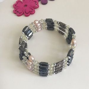 Jewelry - Magnetic pearl and hematite necklace/bracelet
